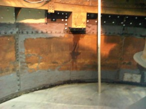Internal corrosion of tank walls prior to Belzona application